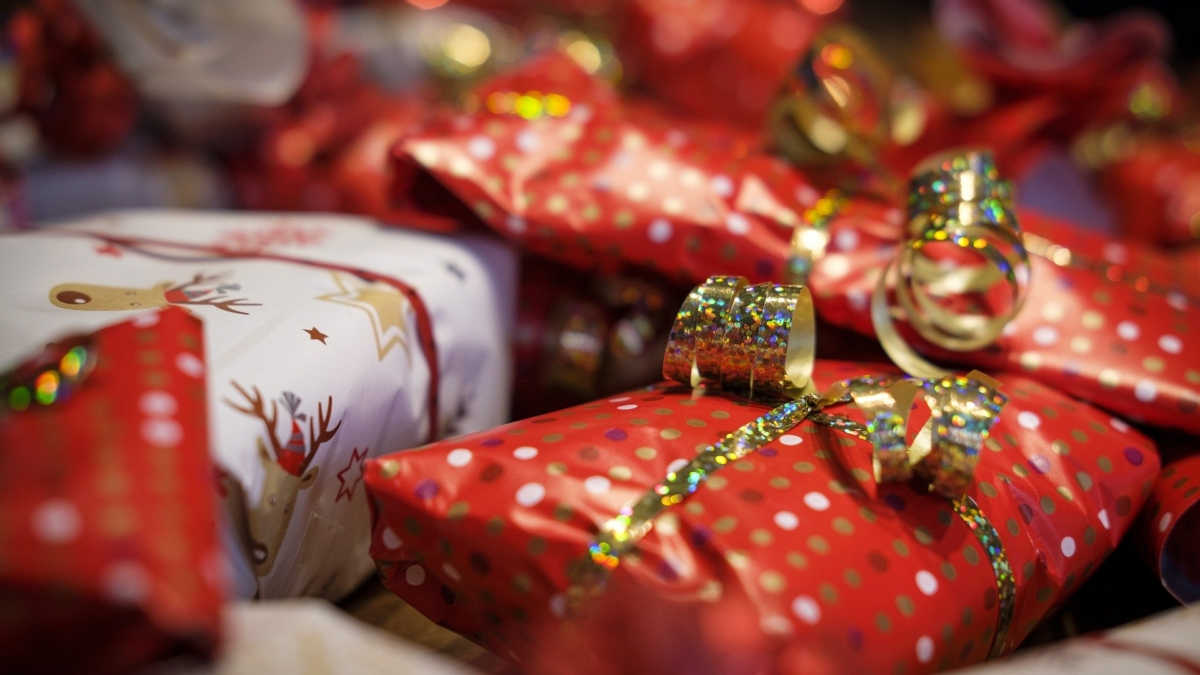 gifts-4678018_1920